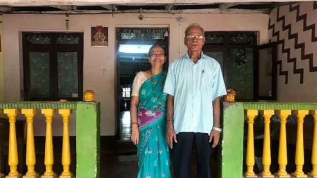Гаджанан і Мамта Курдікар зараз живуть у селі Ваддем