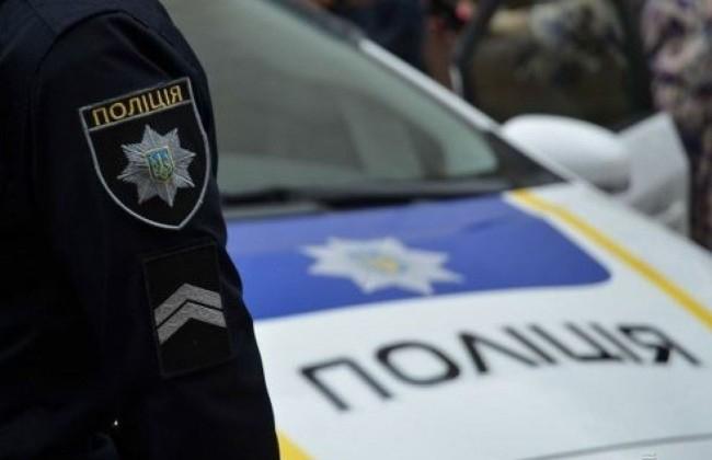 Прямо на пішохідному переході: У Харкові автомобіль поліції збив жінку і дитину