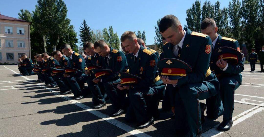 У Донецьку провели перший випуск курсантів бандформування